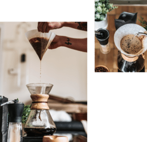 Image de transfert de café dans un contenant