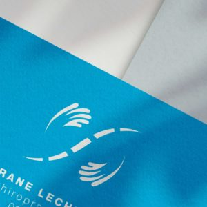 carte de visite du centre chiropratique de Pau avec le logo